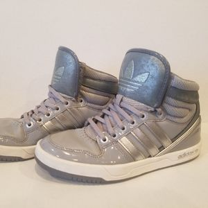 Addidas girls high  top  Sneakers Size 7,5